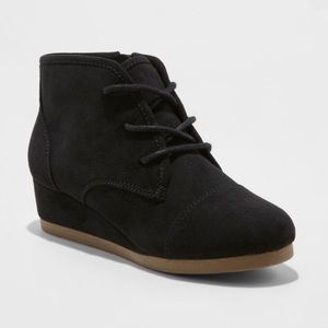 NWT Mad Love Girls Wedge Lace Up Fashion Boots
